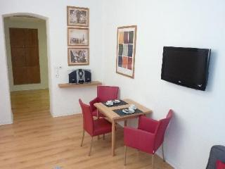 Vacation Apartment in Düsseldorf - 377 sqft, recently renovated, quietly located (# 494) - Essen vacation rentals