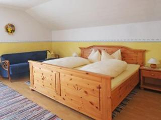 Guest Room in Höslwang - 237 sqft, large backyard/farm, children welcome (# 2178) - Bad Aibling vacation rentals