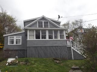 THE HAVEN | EAST BOOTHBAY | OCEAN VIEWS | CLASSIC MAINE COTTAGE | ENCLOSED SUNROOM & OPEN PORCH WITH SPECTACULAR VIEWS | MINUTES - East Boothbay vacation rentals