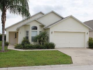 Excellent vacation home with private pool and Spa, 3 TVs, X-Box, free Wi-Fi - Kissimmee vacation rentals