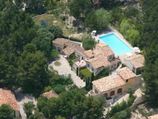 Luxury 7 Bedroom Vacation Home in Aix en Provence - Aix-en-Provence vacation rentals