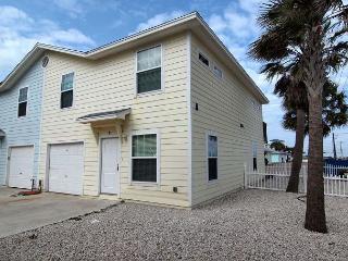4 Bedroom 3 Bath condo just steps to the beach! - Texas Gulf Coast Region vacation rentals