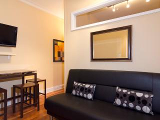 Sleeps 3! 1 Bed/1 Bath Apartment, Upper East Side, Awesome! (8140) - Manhattan vacation rentals