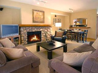Luxury 2100 sq ft Nicklaus North Townhome Whistler Canada - Whistler vacation rentals