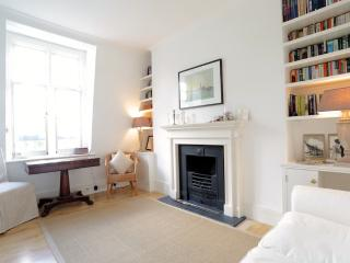 Prince of Wales Drive, pro-managed - London vacation rentals