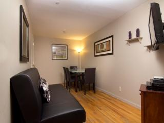 Sleeps 7! 3 Bed/1 Bath Apartment, Midtown East, Awesome! (8007) - Manhattan vacation rentals