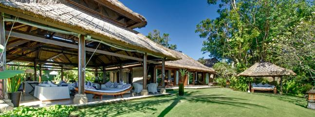 Sungai Laut - bathroom - Villa Sungai Tinggi - an elite haven - Canggu - rentals
