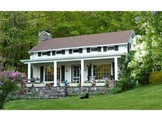 Hudson Valley farmhouse - Hillsdale vacation rentals