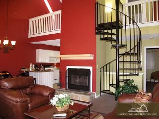 Gatlinburg Village 406    Wood Fireplace  Shopping  Pool   Free Nights - Gatlinburg vacation rentals