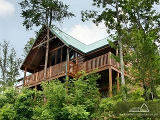 Summit Lodge   Mountain Views Pool Access 2 Arcades WiFi   Free Nights - Gatlinburg vacation rentals