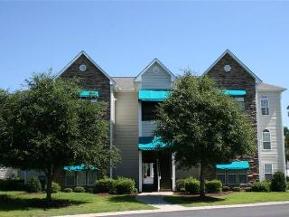Comfortable Condo with A/C and Shared Outdoor Pool - Myrtle Beach vacation rentals