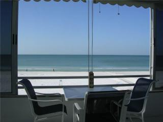 Beautifully maintained 2BR condo w/ Gulf views - 3 North - Siesta Key vacation rentals