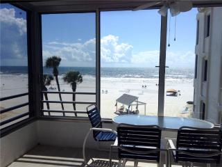 Cozy 2BR on one the finest beaches - 6 North - Siesta Key vacation rentals