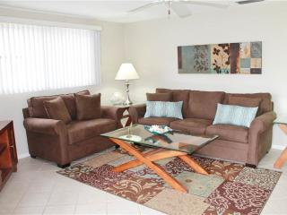 Wonderful 2BR  w/ 2 beach cabanas & heated pool - Villa 8 - Siesta Key vacation rentals