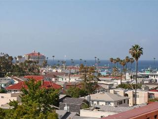 Romantic Condo with Internet Access and Shared Outdoor Pool - Catalina Island vacation rentals