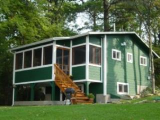 Beautiful 2 Bedroom & 2 Bathroom House in Laconia (304) - Image 1 - Weirs Beach - rentals