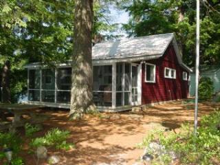 Nice 3 Bedroom & 1 Bathroom House in Moultonborough (309) - Lake Winnipesaukee vacation rentals
