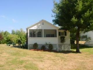 Idyllic House with 1 BR & 1 BA in Moultonborough (453) - Lake Winnipesaukee vacation rentals