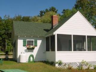 Moultonborough 2 Bedroom/1 Bathroom House (456) - Lake Winnipesaukee vacation rentals