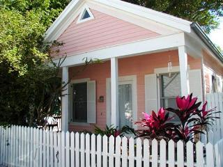 Angela Cottage: A hideaway in Old Town - Key West vacation rentals