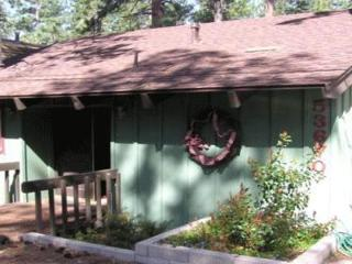 Bears Den - Idyllwild vacation rentals