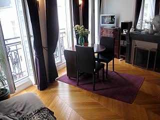 Beautiful Louvre Montorgueil Apartment for Rent in Paris - Paris vacation rentals