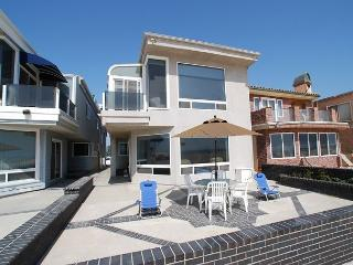 Large Oceanfront Lower Unit of a Duplex!Great Patio & Views! (68116) - Newport Beach vacation rentals