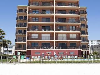 Nice 3 bedroom North Redington Beach Condo with Deck - North Redington Beach vacation rentals