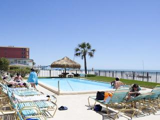 3 bedroom Apartment with Deck in North Redington Beach - North Redington Beach vacation rentals