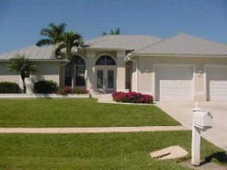 Algon 20 - 20 Algonquin Ct - Marco Island vacation rentals