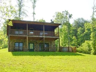 KINGDOM CABIN #2*TOTALLY SECLUDED~3BR~2 BA~CABIN WITH CREEK~HOT TUB~CHARCOAL GRILL~FIREPLACE~FIRE PIT~PET FRIENDLY~SLEEPS 8~ONLY - Mineral Bluff vacation rentals