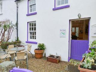 KEY COTTAGE, character, open plan, multi-fuel stove, in St Mullins, Ref 13412 - St Mullins vacation rentals