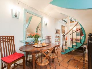 House with 3 bedrooms & 2 bathrooms in Le Marais - Paris vacation rentals