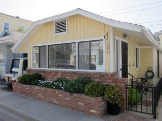 Charming House with Internet Access and Grill - Catalina Island vacation rentals