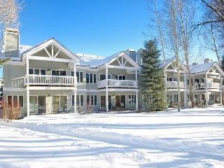 Lovely House with 3 BR-4 BA in Teton Village (3bd/3.5ba Townhome 21) - Wilson vacation rentals