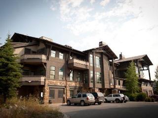 Teton Village 3 BR, 4 BA Condo (3.5bd/3.5ba Cody House 1a) - Teton Village vacation rentals