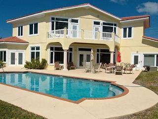 Perfect House with Internet Access and Dishwasher - Holmes Beach vacation rentals