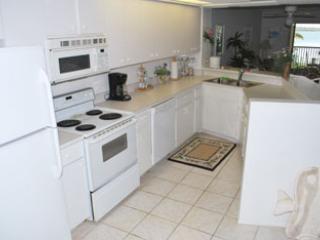 kitchen - Coquina Moorings - Bradenton Beach - rentals