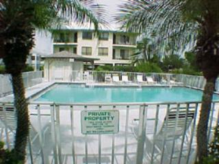 Beautiful Condo with Internet Access and Dishwasher - Bradenton Beach vacation rentals