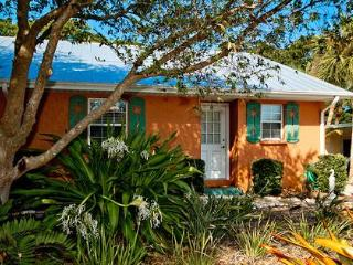 1 bedroom Apartment with Internet Access in Holmes Beach - Holmes Beach vacation rentals