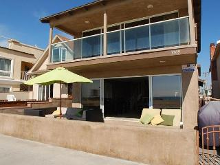 2 Story Oceanfront Home on the Boardwalk -  (68197) - Newport Beach vacation rentals