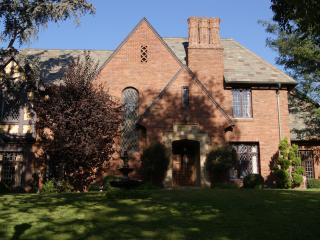 Hancock Park Tudor Mansion - 7 Bedroom 6 bathroom with Pool (3867) - Los Angeles vacation rentals