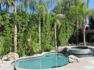 Palm Desert 3 Bedroom & 4 Bathroom House (YT744 - Palm Desert El Paseo - 3 BDRM, 3.5 BA) - Rancho Mirage vacation rentals