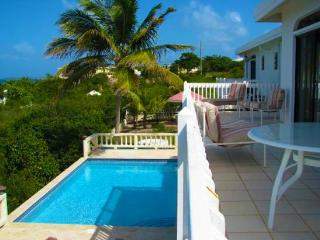 4 bedroom House with Private Outdoor Pool in Island Harbour - Island Harbour vacation rentals