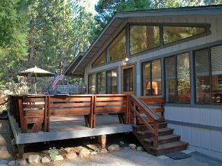 Wonderful 2 bedroom Yosemite National Park House with Television - Yosemite National Park vacation rentals
