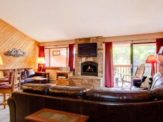 2 Bedroom, 2 Bathroom House in Breckenridge (12F) - Breckenridge vacation rentals