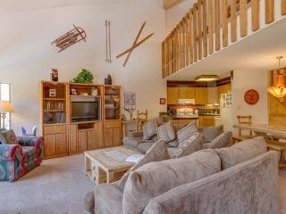 2 Bedroom, 2 Bathroom House in Breckenridge  (09E) - Breckenridge vacation rentals