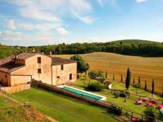 Villa,Pool, Hot tub,free WiFi,15km from Siena - Siena vacation rentals