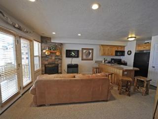 Moose Hollow Condo at Wolf Creek Utah Resort- Snowbasin and Powder Mountain - Utah Ski Country vacation rentals