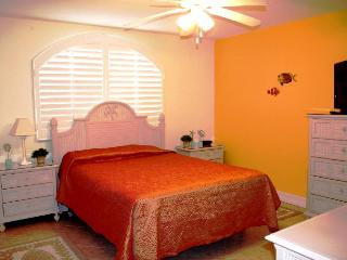 Palm Paradise, across from the golf course,  # 53b - Key Colony Beach vacation rentals